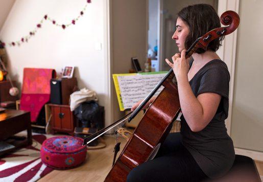 Delphine Biron, Violoncelliste à Paris.