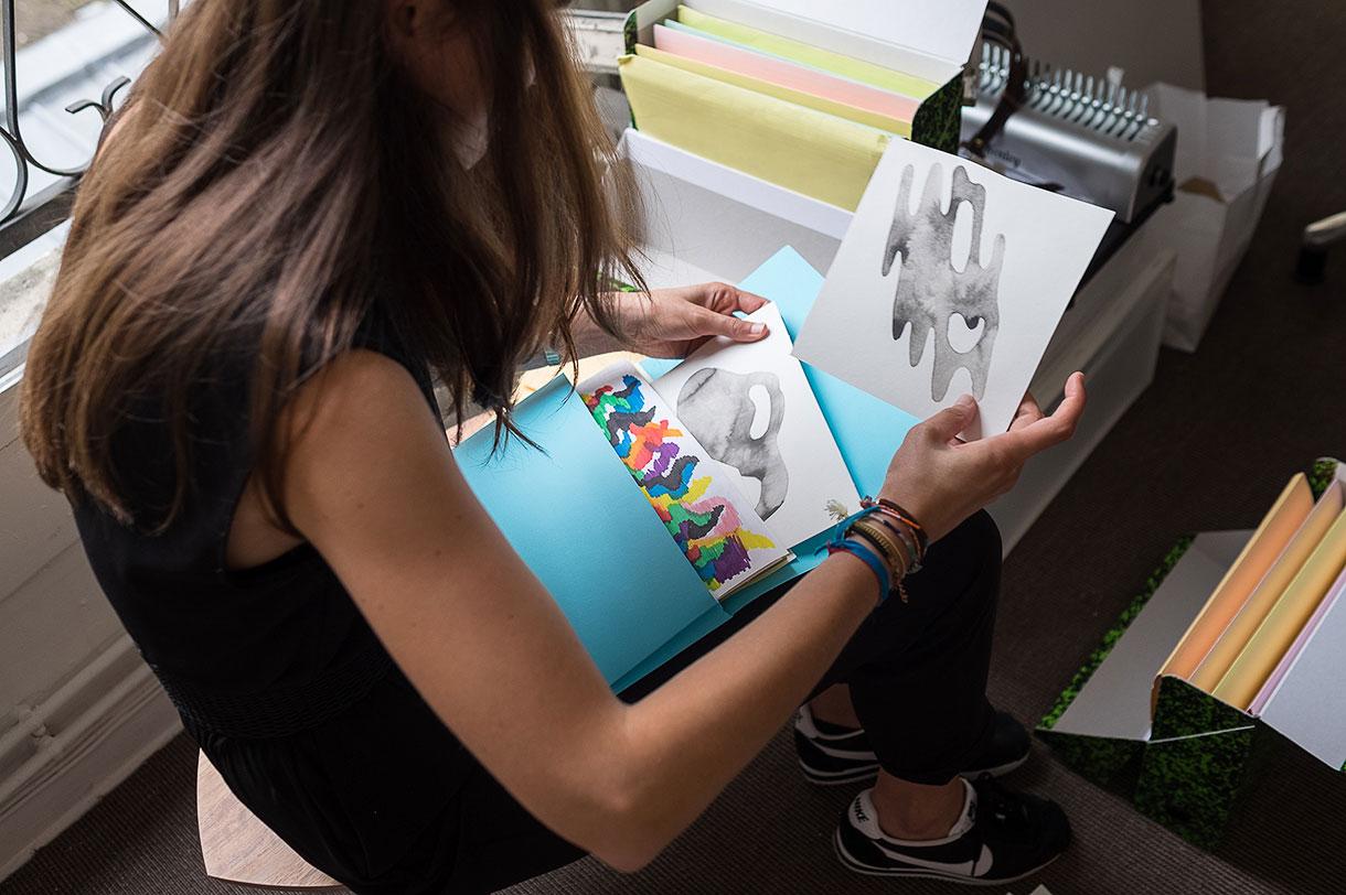 Chloé Desvenain, Graphiste et Illustratrice à Paris.