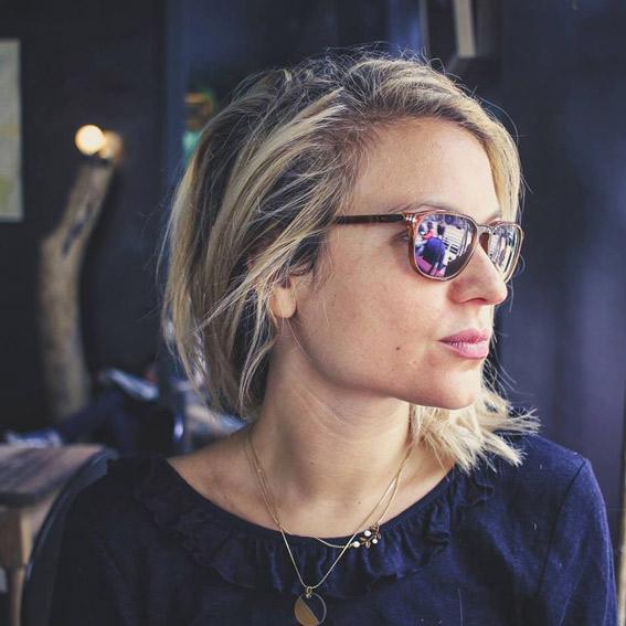 Claire BickertInstitutrice à L'envers du décor