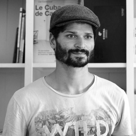 Florian Lavie-Badie Humaniste, thérapeute psycho-corporel à Une friche en italie