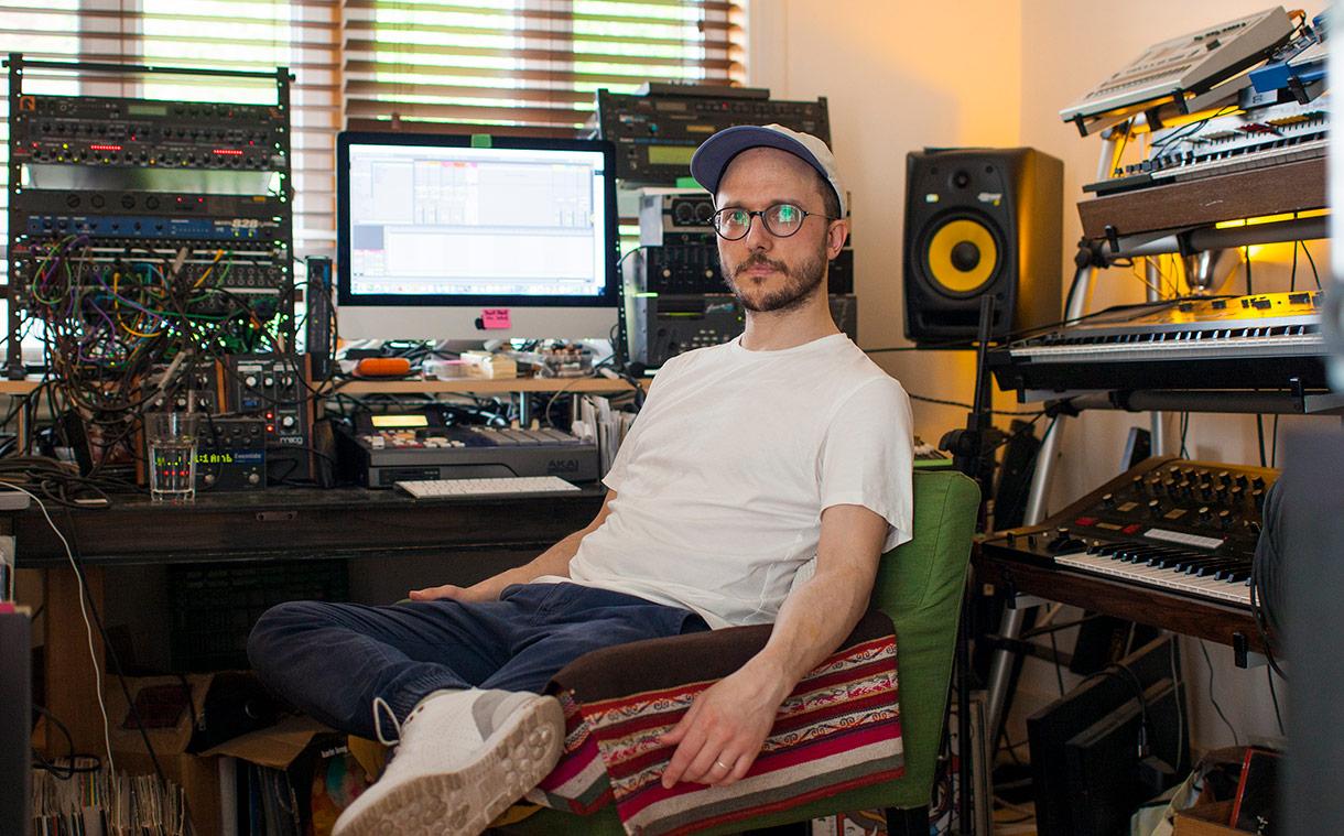 Olivier Borzeix, Compositeur, DJ et Musicien à Montréal. Photo de Pirooz Nemati pour 10point15.